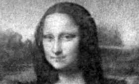 大腸菌が描いたモナリザ。そしてアインシュタインの顔からダーウィンの顔に変化(イタリア研究)