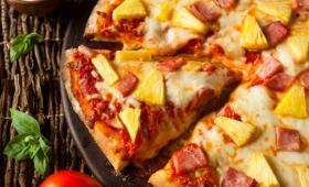 ピザのパイナップルは許せる?許せない?「ハワイアンピザ」をめぐり、海外では結構真剣に議論されていた件