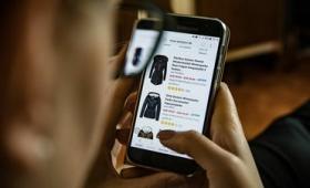 消費者の商品選択を誘導する「おとり効果」とはどのような販売戦略なのか?