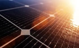 太陽光発電、ソーラーパネル効果の重要な欠陥が40年の研究を経て明らかに(英研究)