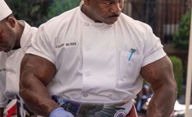 世界最強の料理人はホワイトハウスにいた!ムキムキの筋肉で腕を振るう(アメリカ)