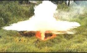 高濃度の二酸化炭素が局所的に発生するエアポケット「マズク(MAZUKU)」その致死的空間を煙で可視化した映像