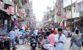 ロックダウン中のインドで使われるウェディングマスクが違和感なさすぎと話題に