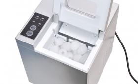 家庭用製氷機のおすすめ8選。高速かつ小型な人気モデルをご紹介