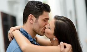 なぜ人はキスをするのが好きなのか?