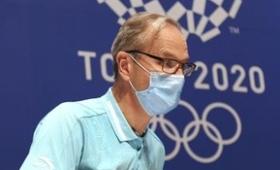 IOC会見にボランティア大学生が乱入「弁当を廃棄するなら僕たちに回して」